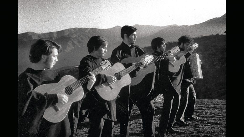 """""""Cuánto nos pueden defraudar los sueños que tuvimos ayer"""": Los Bunkers remasterizan videoclip de """"Entre mis brazos"""""""