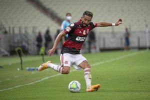 Mauricio Isla fue elegido en el equipo ideal del Brasileirao después de consagrarse campeón con Flamengo