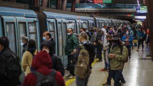 Metro de Santiago: parte del servicio en Línea 5 estuvo suspendido por pasajero que bajó a las vías