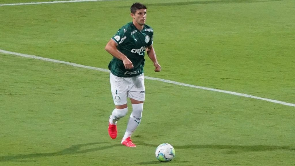 ¿Era para tarjeta roja? Benjamín Kuscevic fue expulsado en el duelo del Palmeiras ante el Coritiba