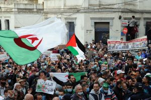 Masivas protestas ciudadanas contra el gobierno en diversas ciudades de Argelia