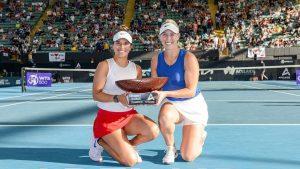 ¡Gigante! Alexa Guarachi se coronó campeona del dobles femenino en el Torneo Internacional de Adelaida