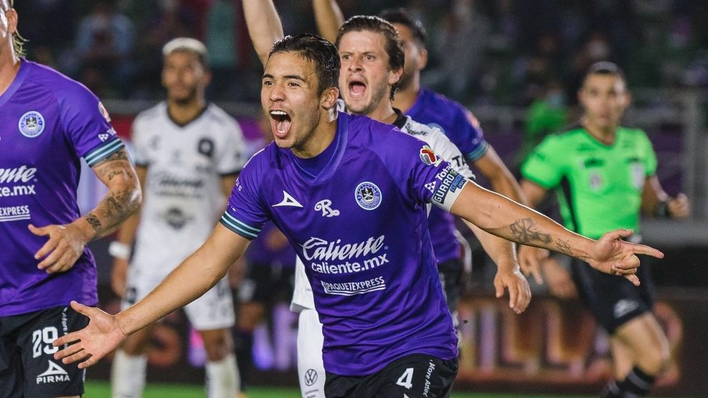 Jornada redonda: Nicolás Díaz portó la jineta de capitán y anotó en la goleada del Mazatlán sobre el Querétaro