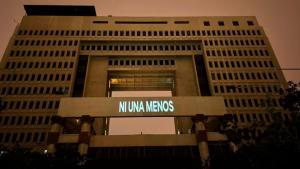 Congreso Nacional fue iluminado con mensajes por la conmemoración del Día Internacional de la Mujer