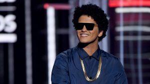 """Bruno Mars le respondió a quienes lo acusan de """"apropiación cultural"""" en su música"""