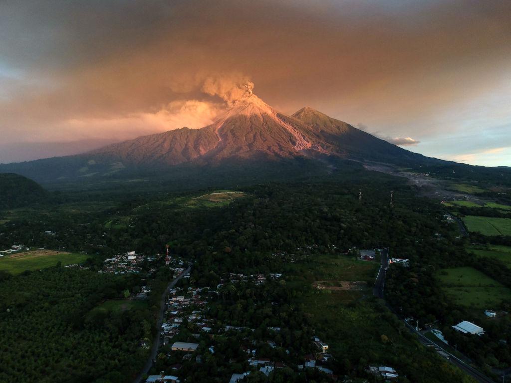 Imágenes de la erupción del Volcán de Fuego en 2018