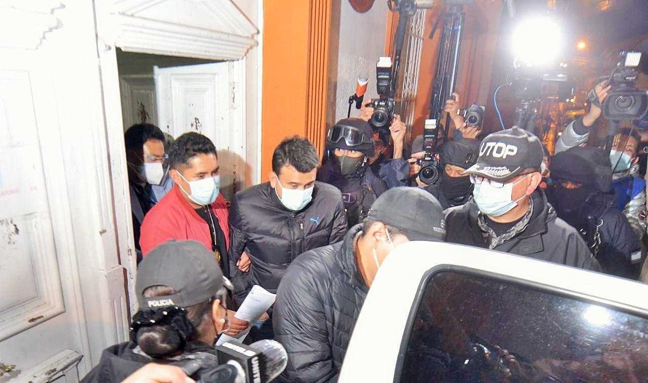 Detención de los exministros bolivianos Álvaro Coímbra y Rodrigo Guzmán