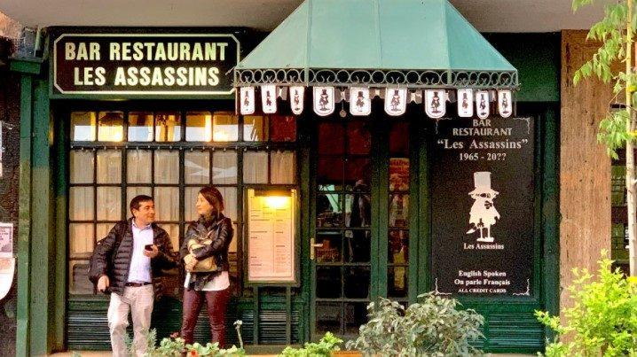 """""""Edad, pandemia y soledad"""": Dueño de restaurant Les Assassins reveló los motivos para vender su local"""