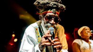 Bunny Wailer, reconocido miembro de The Wailers, falleció a los 73 años