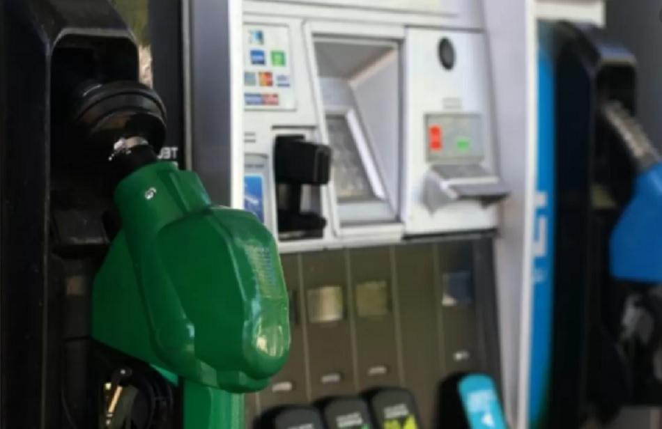 Siguen al alza: ENAP informó un nuevo incremento en el precio de las bencinas a contar de este jueves
