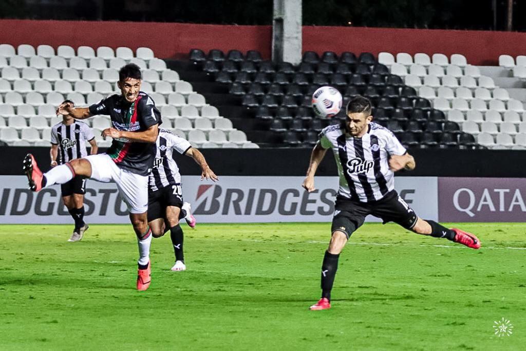 Palestino cerró una noche para el olvido para los conjuntos chilenos tras caer ante Libertad por la Copa Sudamericana