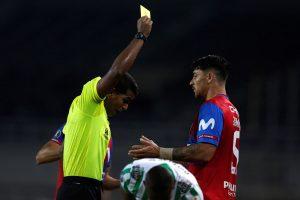 """Los lamentos de Zampedri y Fuenzalida después de la derrota de la UC en la Copa Libertadores: """"Nos pasa siempre lo mismo"""""""