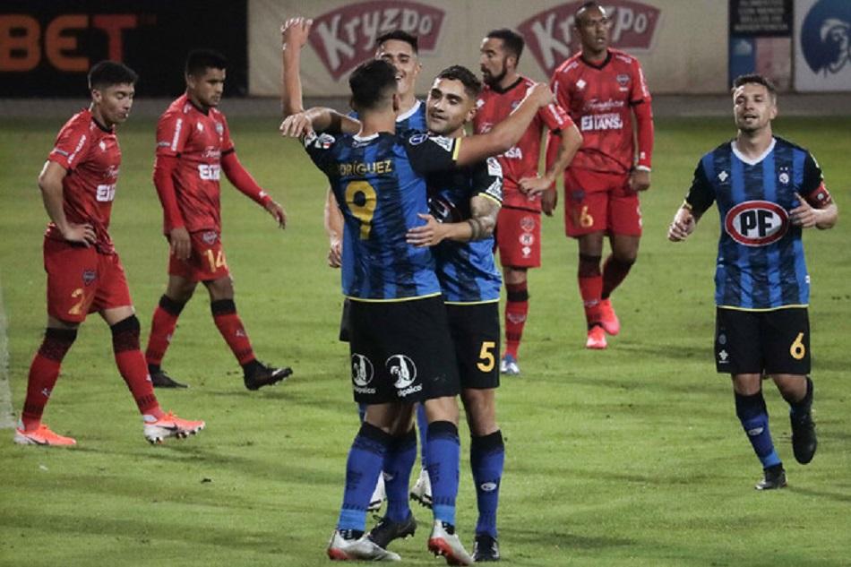 Huachipato lo dio vuelta y se impuso sobre Ñublense en una guerra de goles en el CAP de Talcahuano