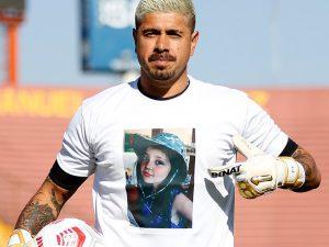El sentido homenaje de Unión Española a la pequeña Tamara Moya, menor fallecida en un portonazo en Huechuraba