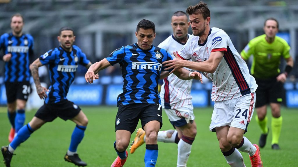 Con Alexis Sánchez titular, Inter derrotó a Cagliari y sigue firme como líder exclusivo de Serie A