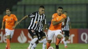 """""""Es hora de calentar el banco"""": Prensa brasileña pide que Eduardo Vargas sea suplente en Atlético Mineiro"""