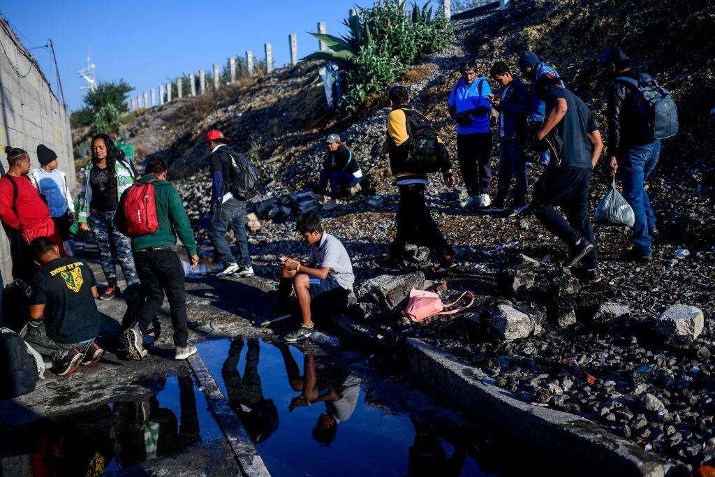 Migrantes centroamericanos lograron cruzar hacia México