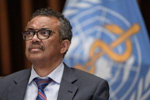 OMS pide no vacunar a niños y adolescentes y destinar dosis a sistema Covax para países con menos recursos