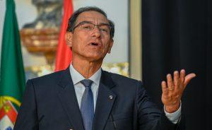 Congreso de Perú inhabilitó para ejercer cargos públicos al expresidente Martín Vizcarra