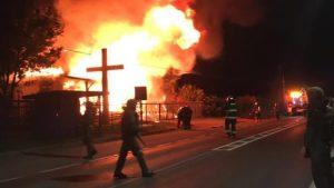 Atentado incendiario en La Araucanía: queman iglesia en Padre Las Casas