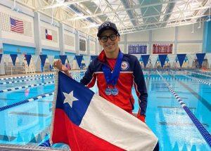 Nadador paralímpico Alberto Abarza ganó tres medallas de oro en Estados Unidos