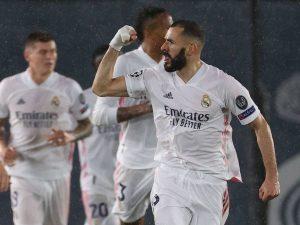 El Real Madrid cosechó una victoria sobre el Granada y peleará de tú a tú con el Atlético el campeonato en España