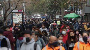 Informe Epidemiológico: cinco comunas de la RM lideran casos activos de covid-19