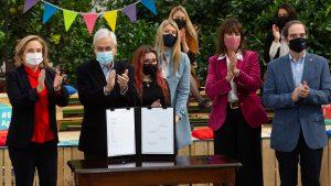 Presidente Piñera promulgó ley que permite elegir el orden de los apellidos: Esto es lo que establece la norma