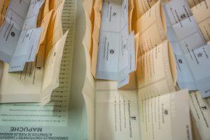 Carabineros de Pozo Almonte detuvo a mujer de 55 años por compra de votos