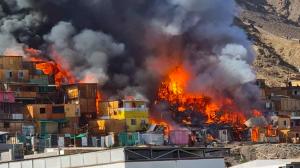 Cerca de 30 viviendas fueron afectadas por voraz incendio en campamento de Antofagasta