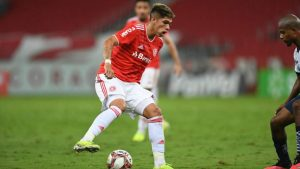 Carlos Palacios pide camiseta en el Inter de Brasil luciéndose en los entrenamientos