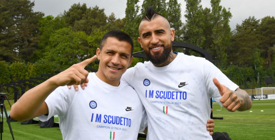 """Campeones, campeones!"""": La celebración de Arturo Vidal y Alexis Sánchez tras conseguir el título de la Serie A con el Inter de Milán"""