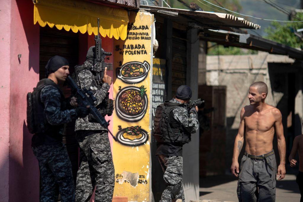 Operativo policial en un barrio de Río de Janeiro