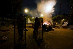 Protestas y represión rodearon otro partido de la Copa Libertadores en Colombia