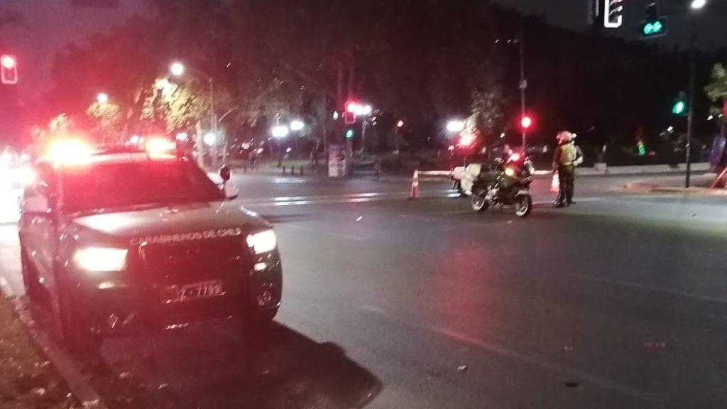 Peatón murió tras ser atropellado por conductor que no respetó luz roja en intersección de Providencia