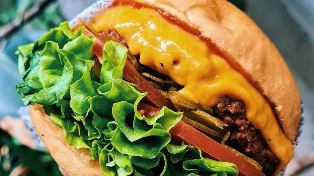 Día de la Hamburguesa: recetas y ofertas para celebrar en casa