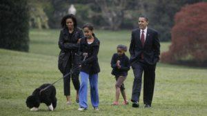 """""""Nuestra familia perdió a un verdadero amigo y leal compañero"""": Así se despidió Barack Obama de su perro """"Bo"""""""