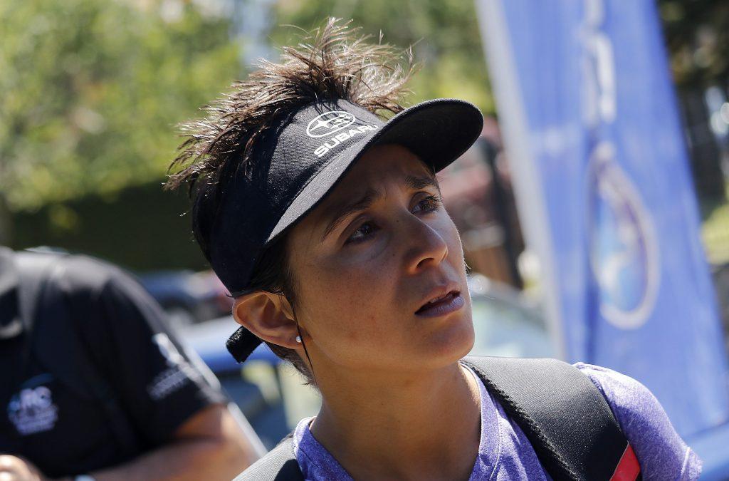 Triatleta chilena Bárbara Riveros sufrió caída en torneo en Japón y se fracturó una costilla