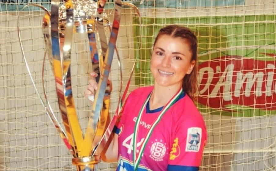 Orgullo chileno: Belén Canessa se consagró campeona de Italia en el balonmano