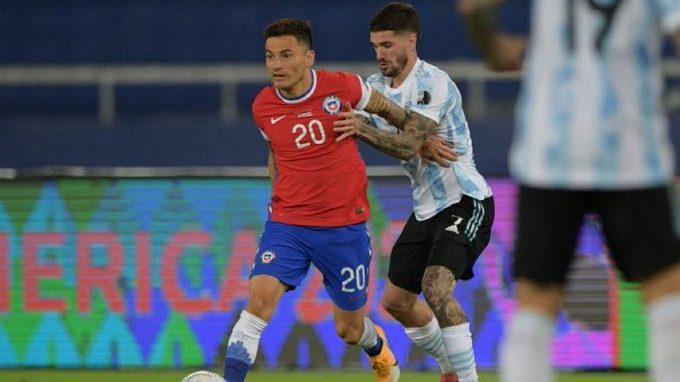 Chile vino de atrás para rescatar un empate ante la Argentina de Messi en su estreno en la Copa América