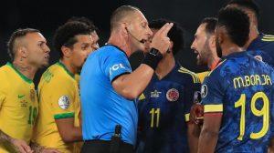 """Desde Brasil se ensañaron con Pitana pese a que los favoreció ante Colombia: """"Siempre amigo del Scratch"""""""