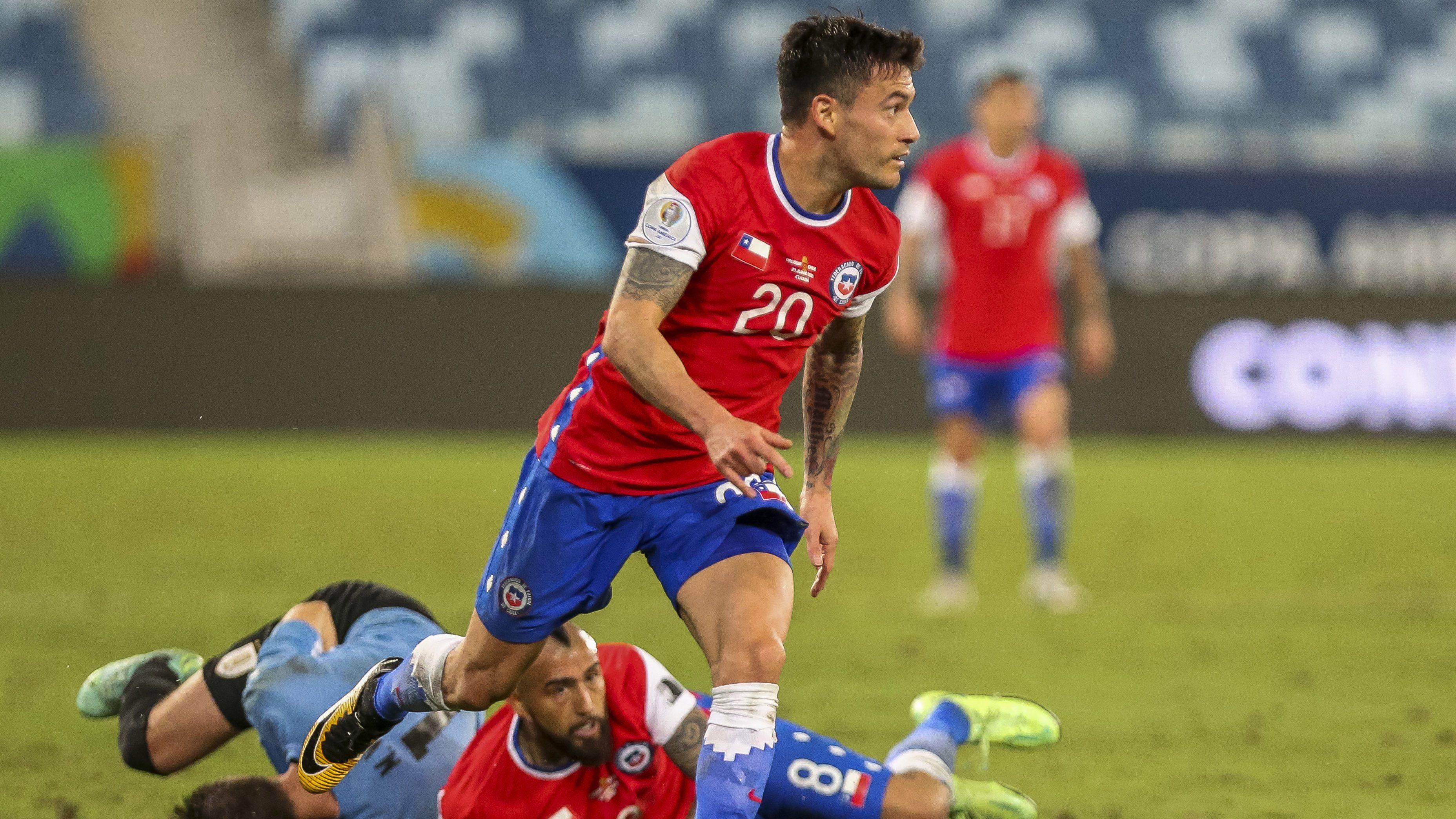 Charles Aránguiz es el jugador con mayor cantidad de pases en la Copa  América 2021