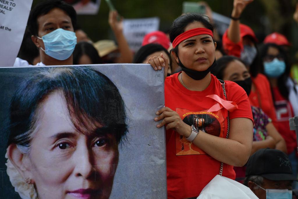 Manifestación a favor de la premio Nobel de la Paz Aung San Suu Kyi