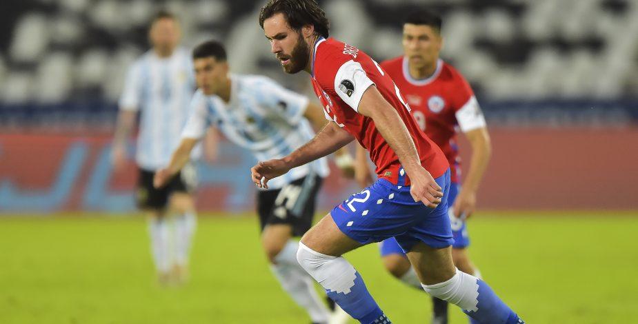 La Roja se estrena con una igualdad ante Argentina en Copa América y Vargas recupera el olfato goleador