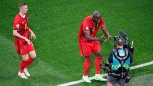 """""""Chris, mantente fuerte... te amo"""": La emotiva dedicatoria de gol de Romelu Lukaku a Christian Eriksen"""