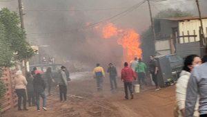 Incendio en vivienda del campamento Felipe Camiroaga dejó una persona fallecida