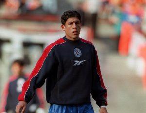 Hugo Brizuela, exseleccionado paraguayo, apuesta por Chile esta noche