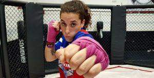 """Macarena Orellana, campeona de kickboxing: """"Muchas mujeres se han acercado a este deporte"""""""