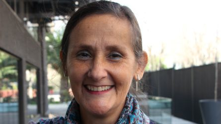"""Epidemióloga Paula Bedregal sobre tercera dosis de vacunación contra el covid: """"La tendencia parece ir hacia allá"""""""