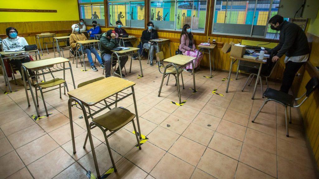 """Superintendente de Educación: """"En general, los establecimientos cumplen con las condiciones y protocolos para el retorno a clases presenciales"""""""
